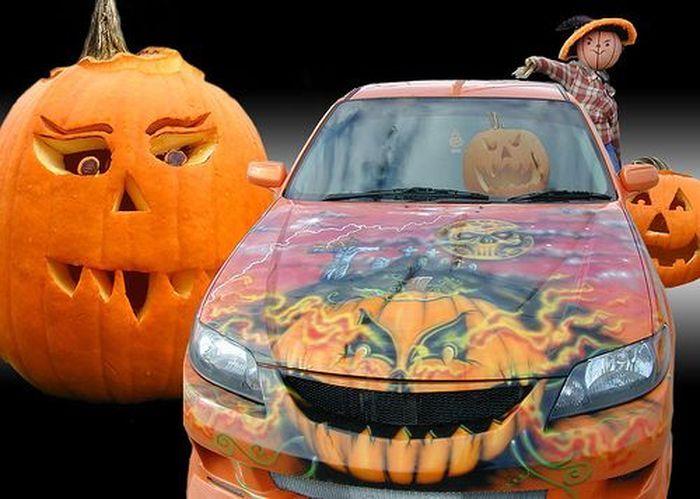 Десятка автомобилей для Хеллоуина (11 фото)
