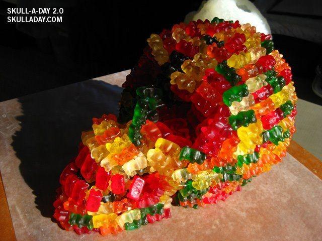 Мармеладные мишки - объекты искусства и дизайна (20 фото)
