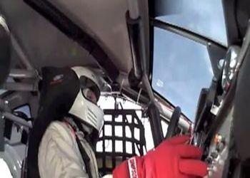 Авария гонщика на скорости 425 км/ч