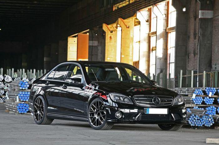 Ателье Wimmer RS подготовило гражданскую версию MB C63 AMG Dunlop-Performance (7 фото)