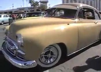 Ретро авто на выставке в США