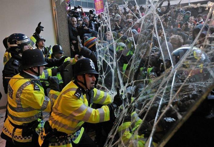 Студенческие протесты в Лондоне (10 фото)