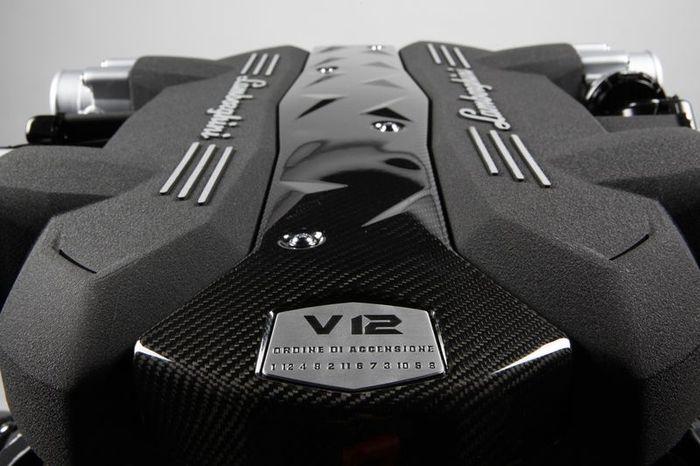 В Lamborghini представили новый мотор V12 и трансмиссии ISR (8 фото+2 видео)