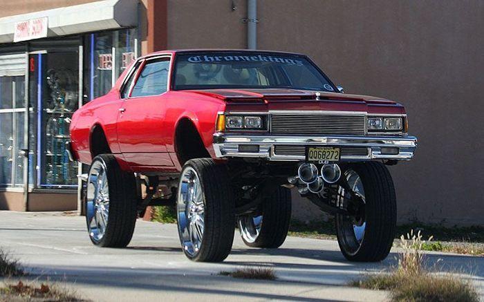 Автомобили на американских улицах (21 фото)