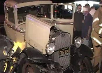 Ford Model A 1932 г.в. подбил развозчик пиццы