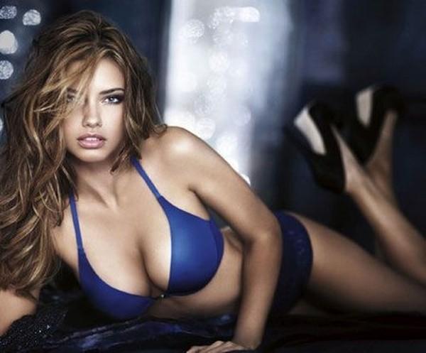 Сексуальная Adriana Lima (7 фото)