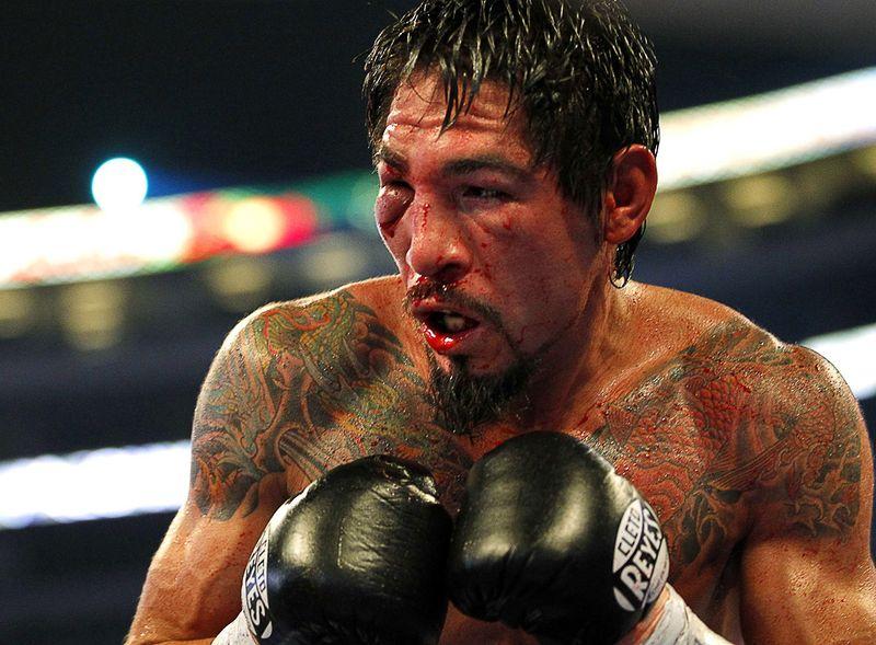 Антонио Маргарито во время боя против Мэнни Паквайо в Техасе, 13 ноября. (REUTERS/Mike Stone)