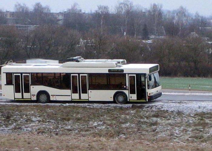 Челябинские троллейбусы настолько суровы... (1 фото)