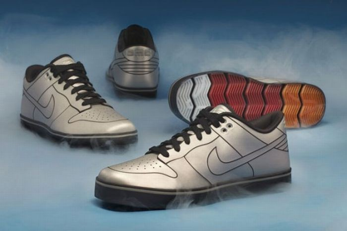 Кроссовки DeLorean Nike Dunk (11 фото)