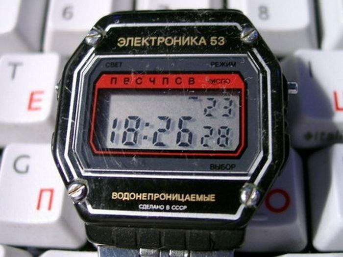 Наручные часы советского времени (40 фото)