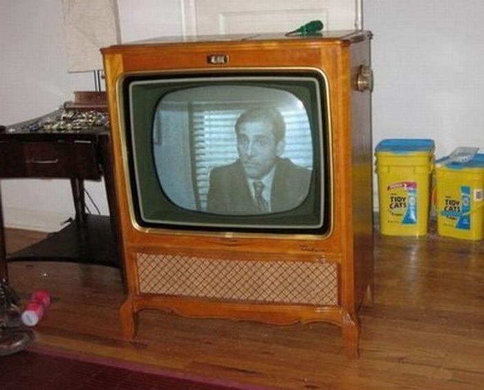 Аквариум из корпуса старого телевизора (18 фото)