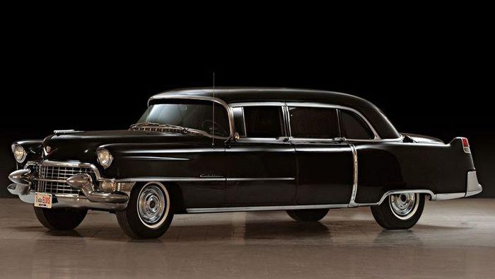 Cadillac Fleetwood Элвиса Пресли продадут на аукционе (5 фото)