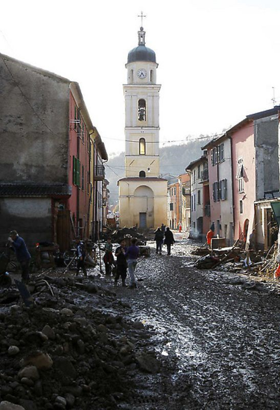 italy02 Наводнение в северо западной Италии