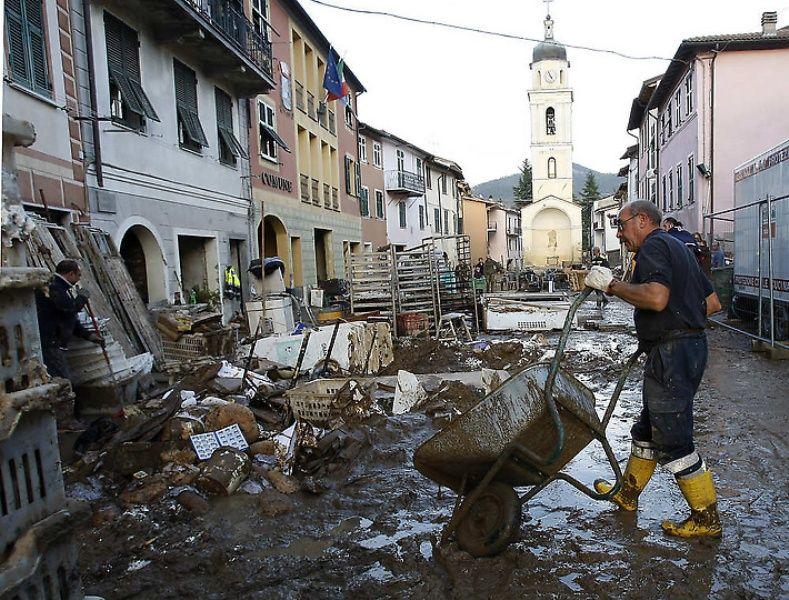 italy11 Наводнение в северо западной Италии