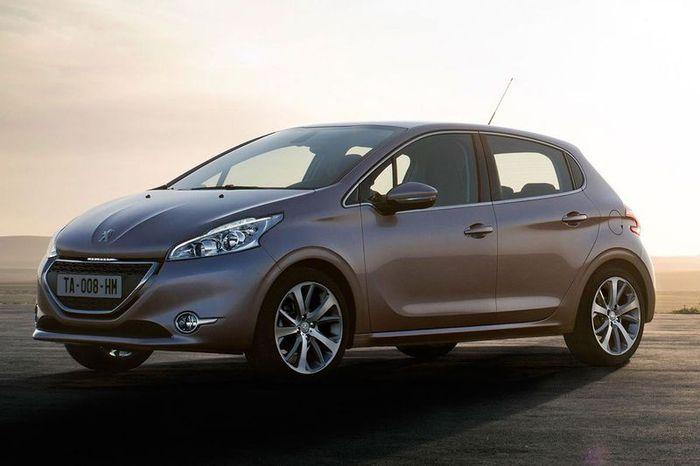 первые фотографии нового Peugeot 208 (15 фото)