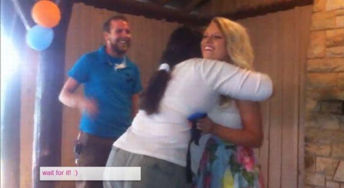 Романтический сюрприз, который довел девушку до обморока (6 фото + 1 видео)