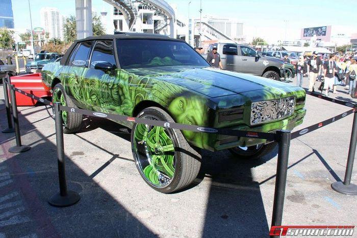 Взрывной тюнинг на выставке SEMA Motor Show 2011 (48 фото)