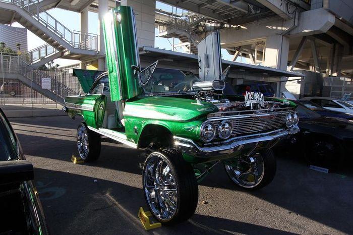Автомобили-участники автошоу SEMA Motor Show 2011 (139 фото)