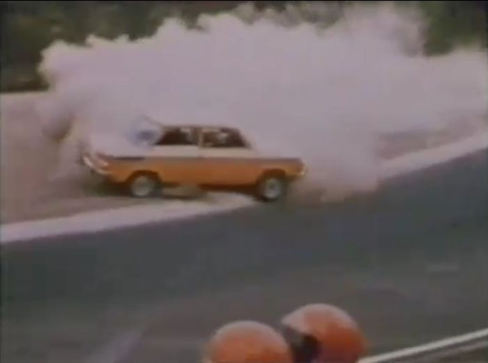 Подборка ретро-аварий на гоночной трассе Nurburgring (2 видео)