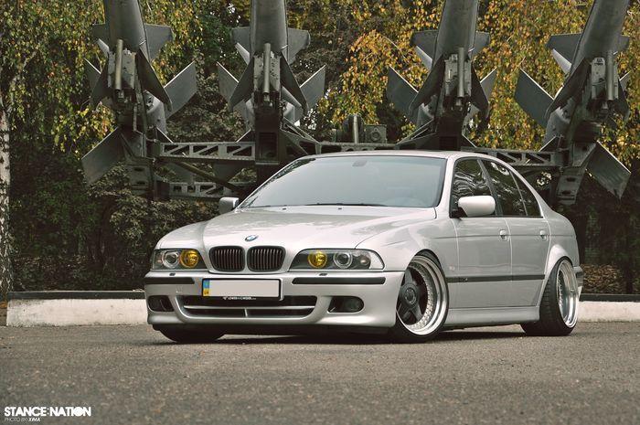 Грамотный тюнинг BMW E39 из Украины! (17 фото)