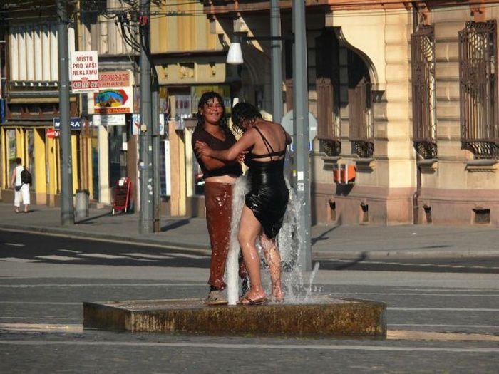 Очень жаркий денек в Чехии (5 фото)