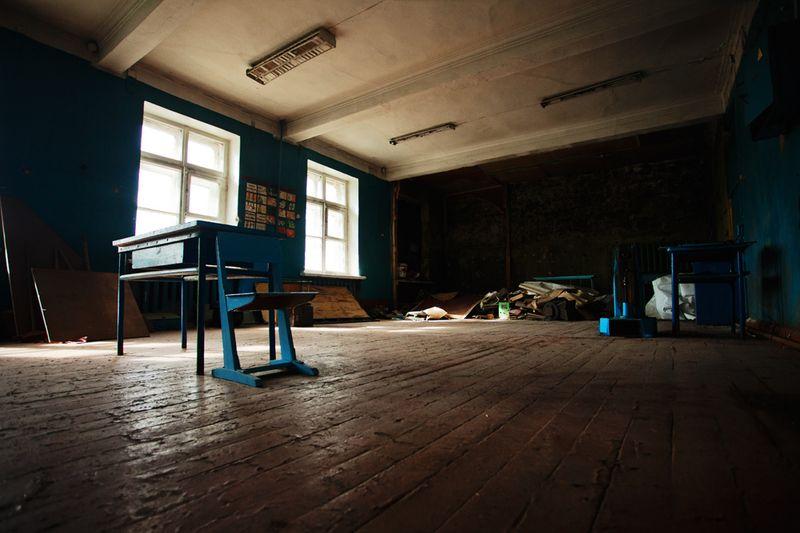 1070 Заброшенная школа на Кольском полуострове