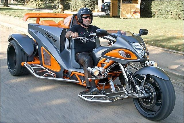 Трицикл на базе Suzuki Hayabusa (5 фото + видео)