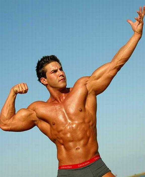 Сексуальние мужчины спортивные телосложение видео смотреть