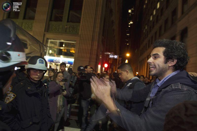 occupy R Разгон «Оккупантов Уолл стрит»