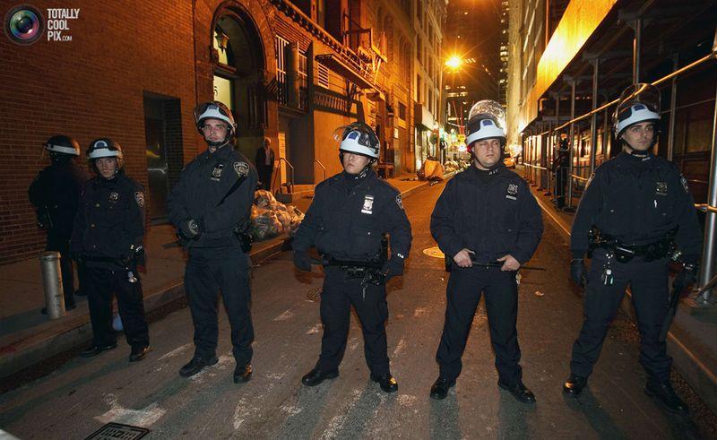 occupy T Разгон «Оккупантов Уолл стрит»