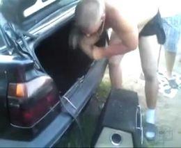Как не нужно устанавливать саббуфер в автомобиль