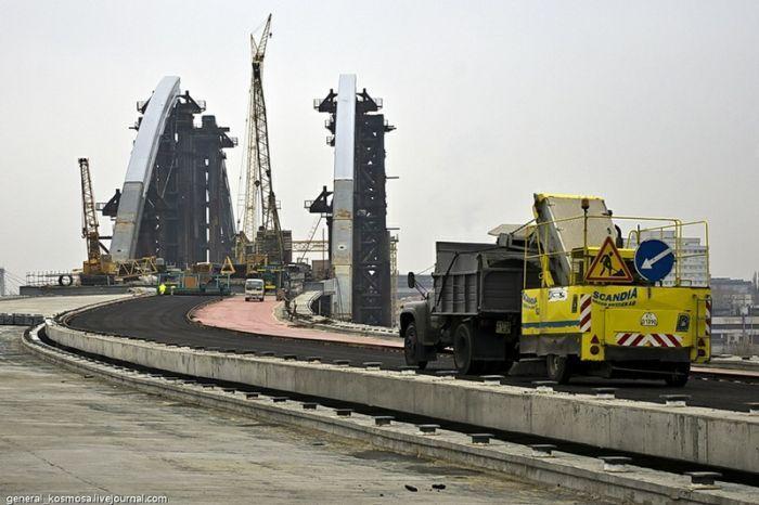 Рухнул самый большой кран в Украине (53 фото + 1 видео)