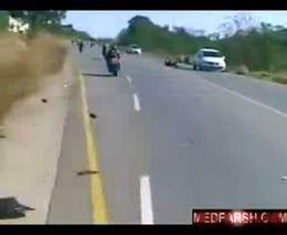 Жуткая авария с мотоциклистами