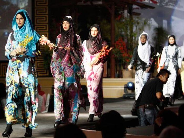 Фестиваль исламской моды в Малайзии (18 фото)