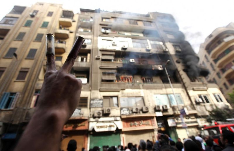 22100 990x642 Новые беспорядки в Каире