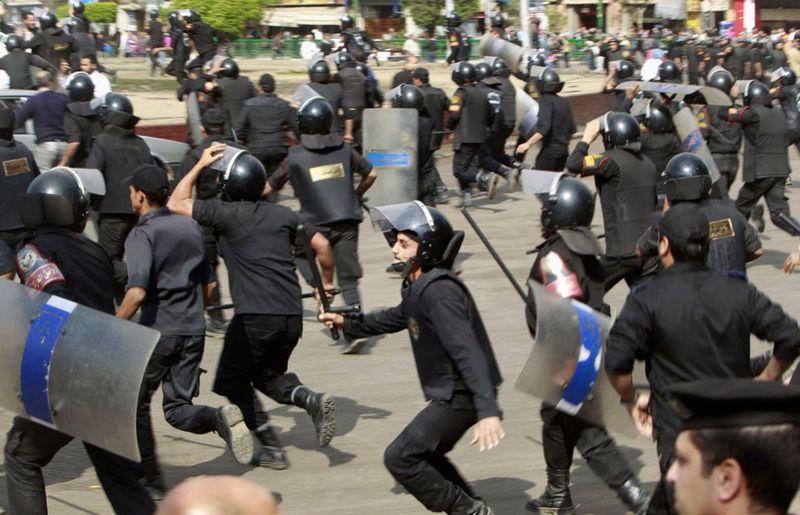 2554 990x638 Новые беспорядки в Каире
