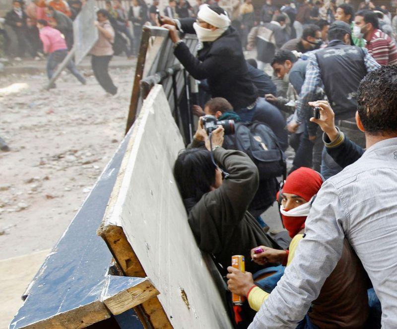 2847 990x821 Новые беспорядки в Каире