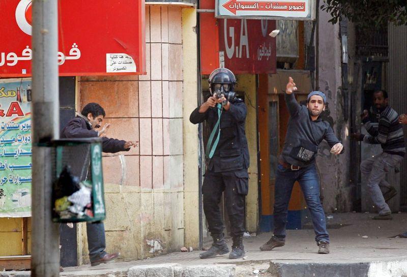3045 990x675 Новые беспорядки в Каире
