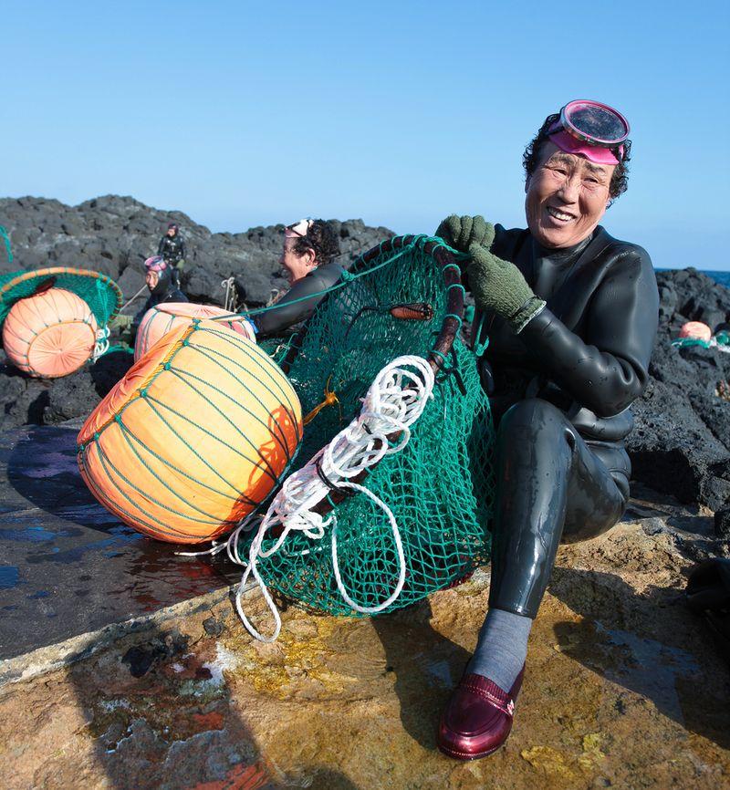 10126 Корейские подводные бабушки