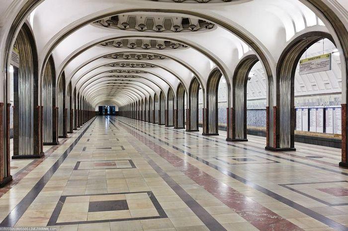 Виброзащитный путь на Замоскворецкой линии (50 фото)