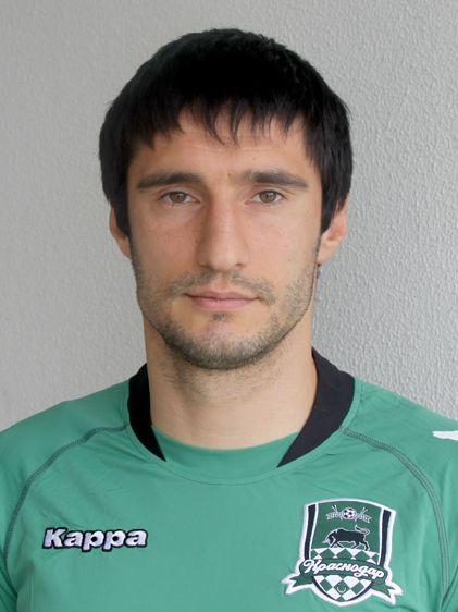 Футболист Спартак Гогниев был избит на стадионе (видео)