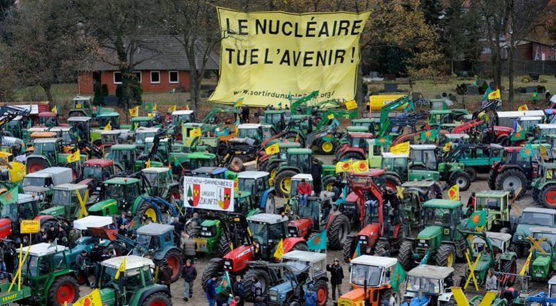 3354 990x545 Протесты против перевозки ядерных отходов