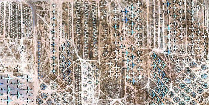 Крупнейшее кладбище старой техники (14 фото)