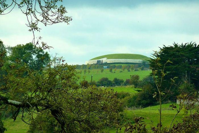 Загадочное сооружение в Ирландии (23 фото)
