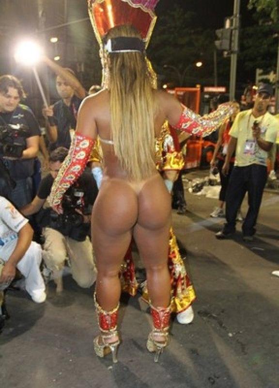 фото голых бразильских поп на карнавале - 10