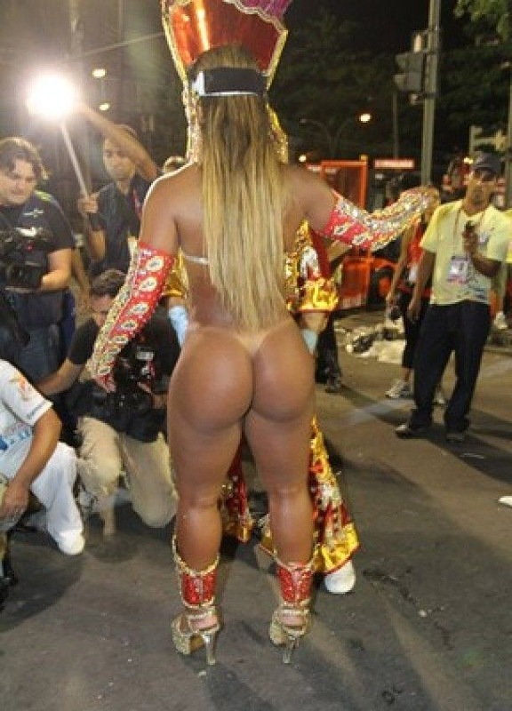 бразильские жопы и карнавал