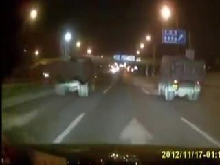 Porsche Cayman залетел под грузовик