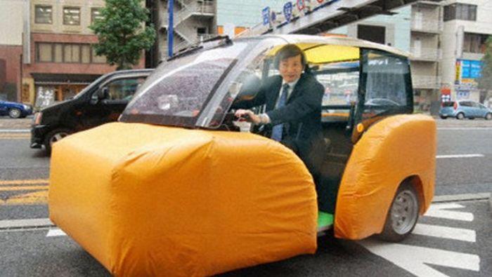 Самый безопасный японский автомобиль (4 фото + 1 видео)