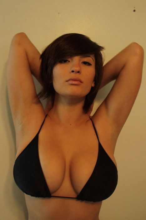 Сексуальные девчонки с большим бюстом — pic 10