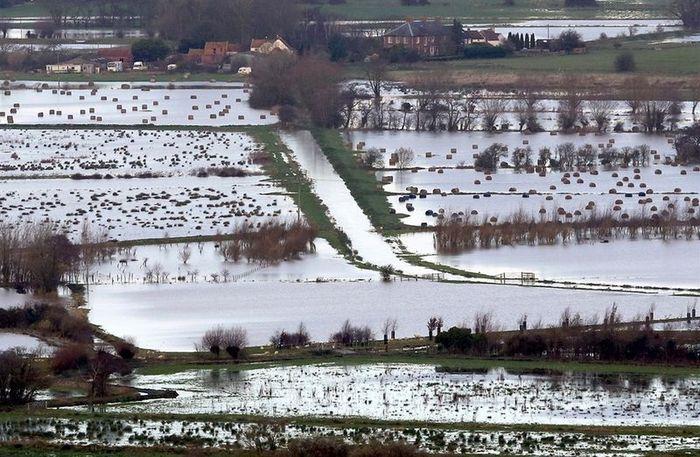 Затопленная Великобритания (18 фото)